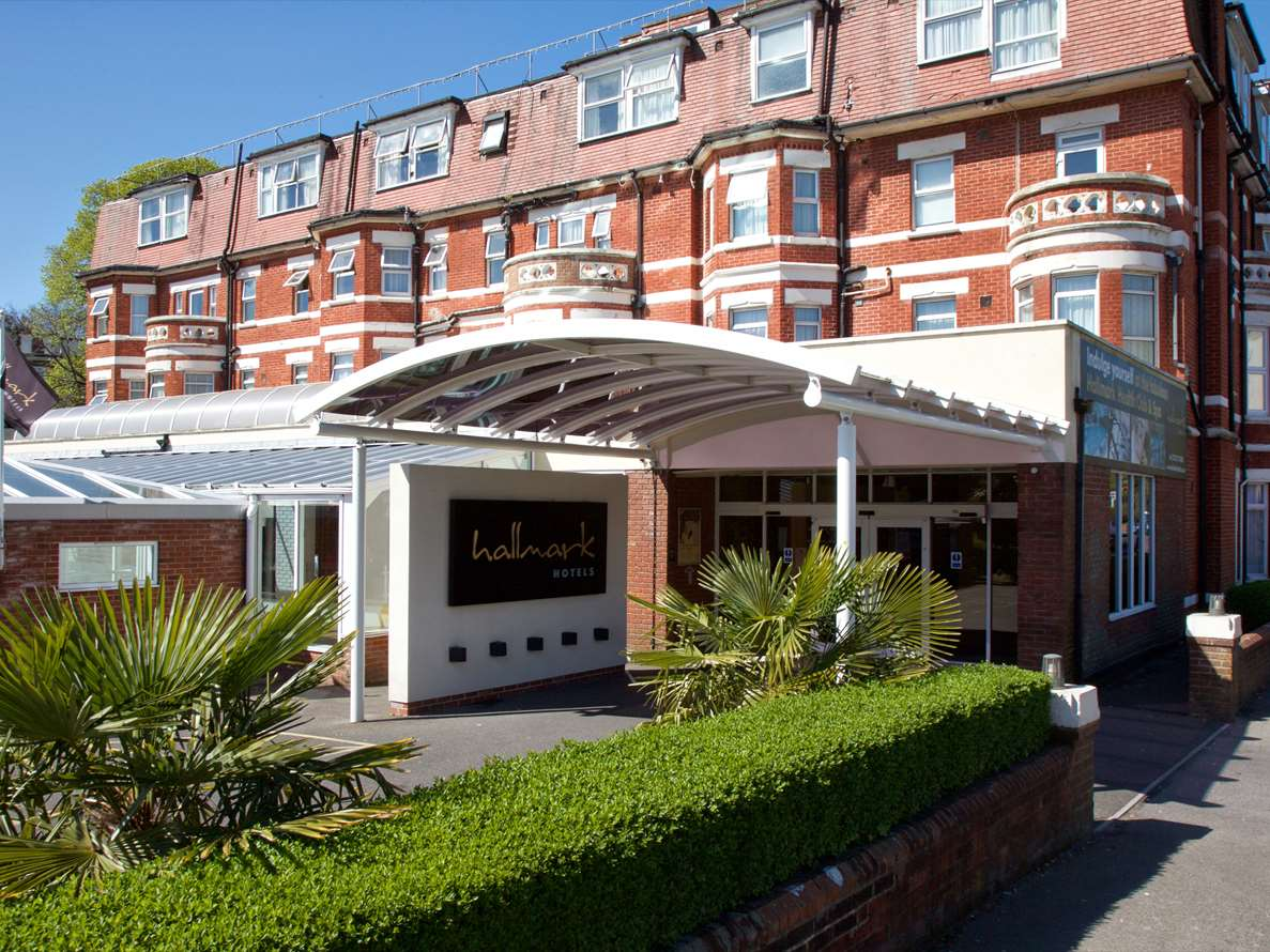 Flude Commercial acted for Motoring and Leisure Services LTD (MLS) in identifying the 83-bedroom Hallmark Hotel Bournemouth West Cliff for their acquisition.