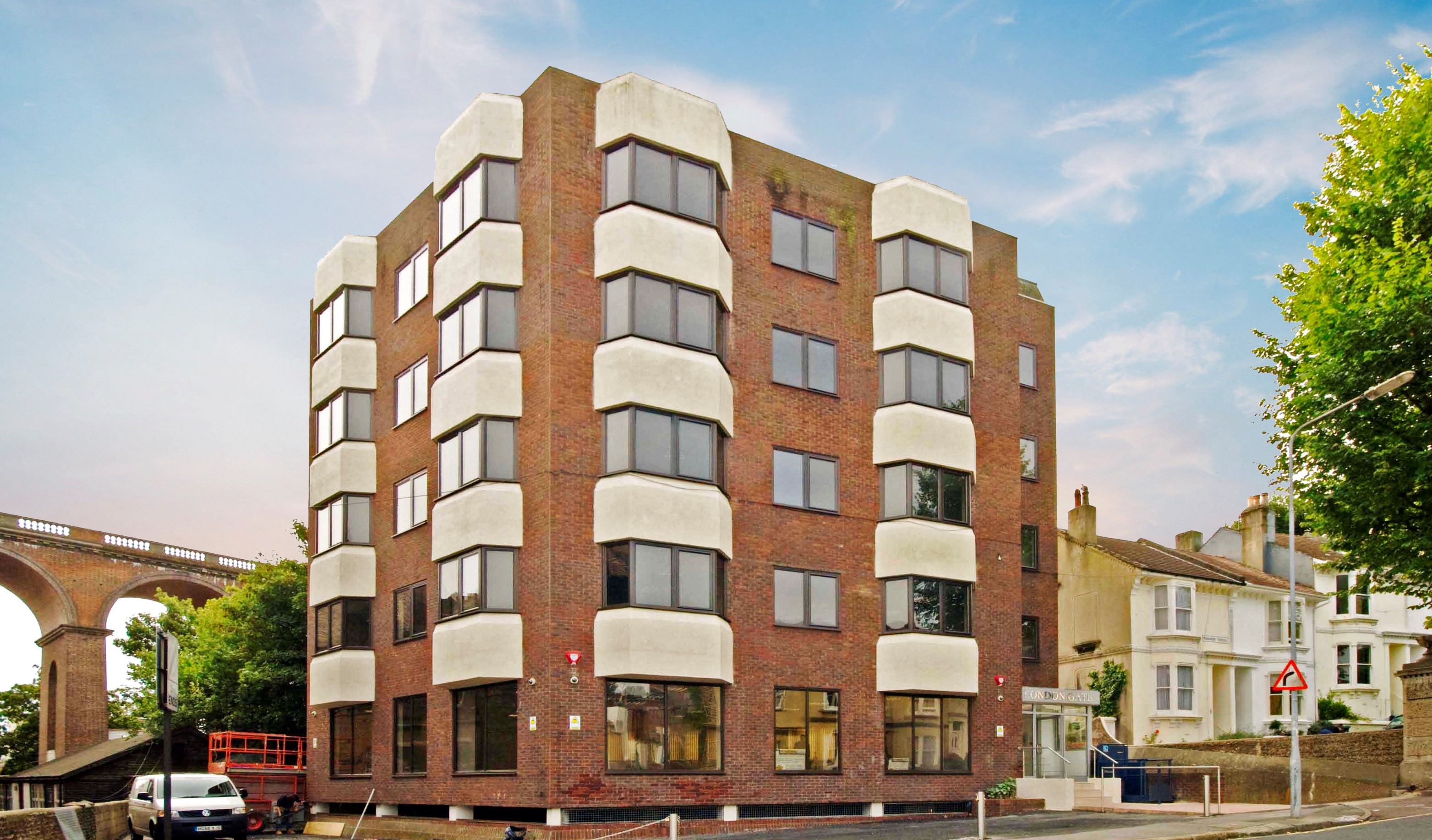 Newly Available: Office uite with Parking in Brighton to let